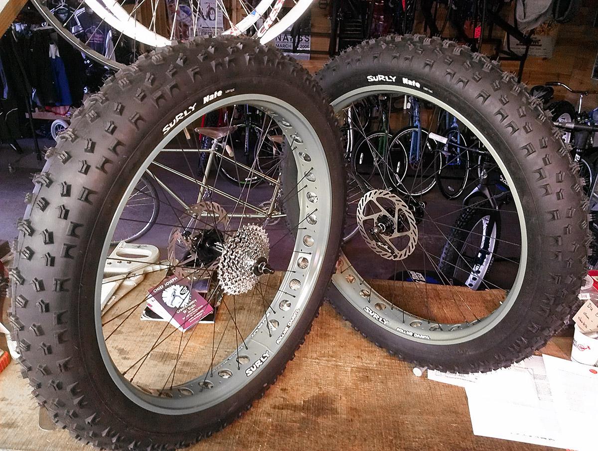 surly rolling darryl fat wheel on a custom wheelset